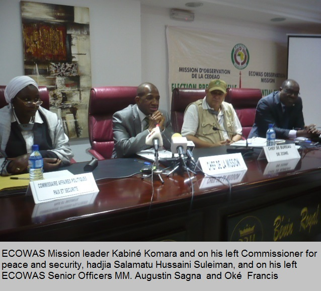 ECOWAS Mission leader Kabiné Komara and on his left Commissioner for peace and security, hadjia Salamatu Hussaini Suleiman, officers MM. Augustin Sagna and Oké Francis
