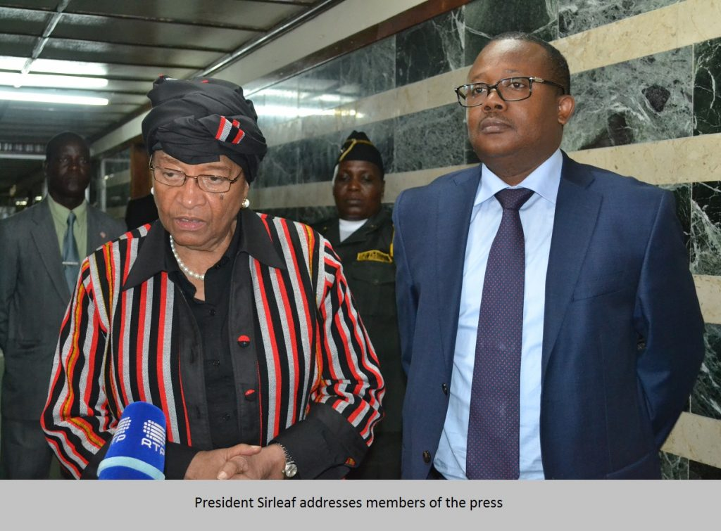 president-sirleaf-addresses-members-of-the-press